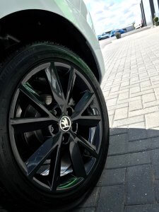 fabia black alloy