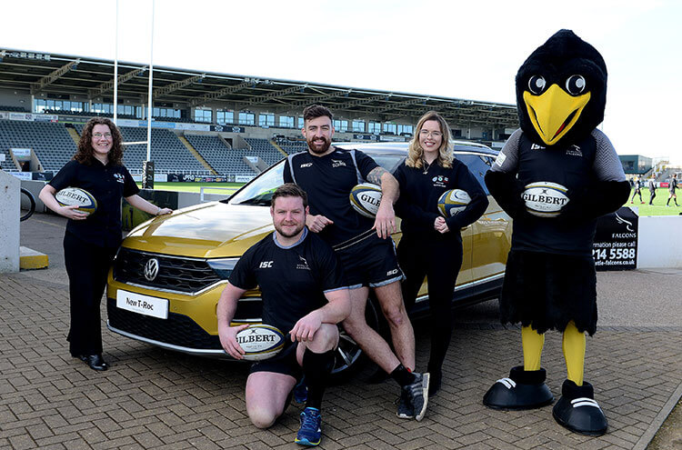 Newcastle Falcon rugby team meets the Volkswagen T-Roc