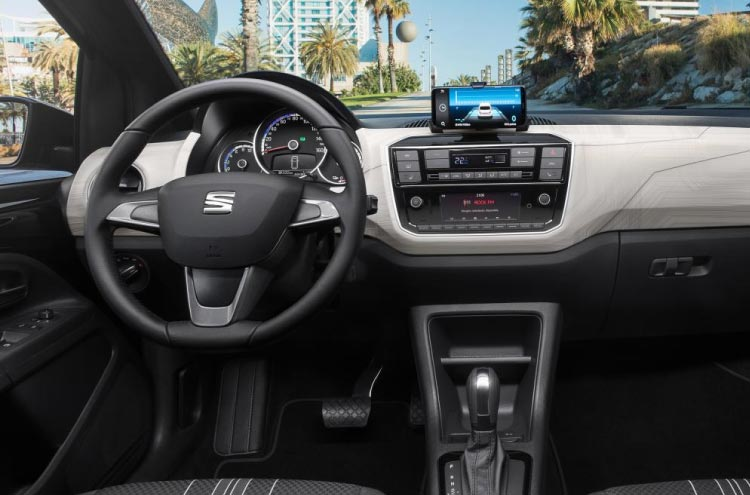 inside the new electric SEAT Mii