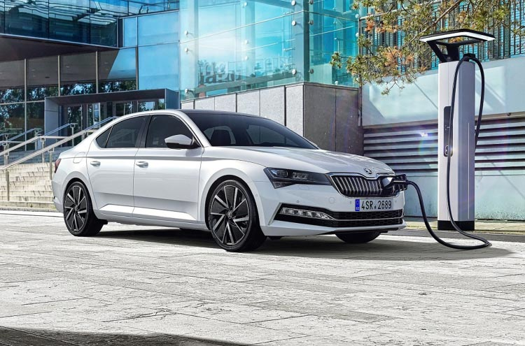 New electric SKODA SUPERB iV